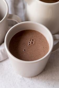Haute vue tasse de délicieux café