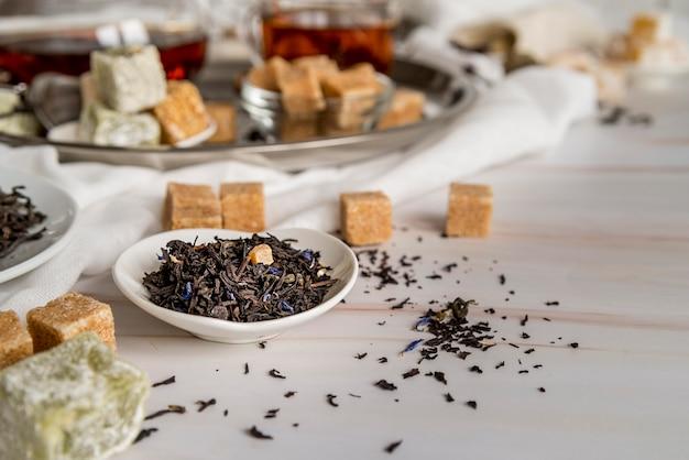 Herbes biologiques à angle élevé pour le thé