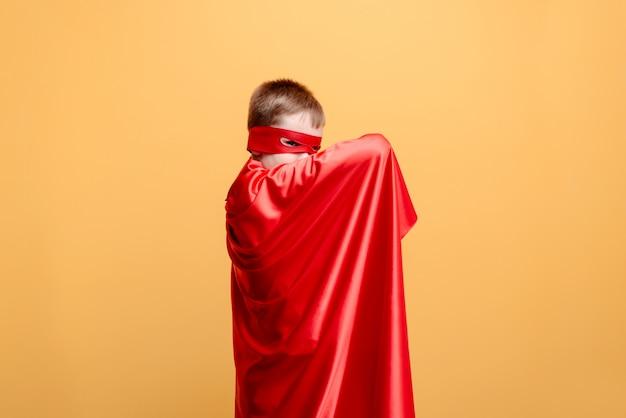 Le héros et la sécurité, la protection, le courage