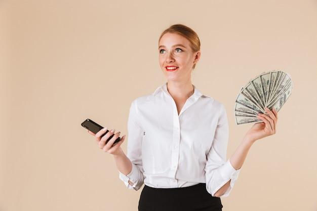 Heureux, femme affaires, projection, argent
