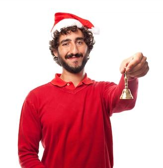 Heureux l'homme tenant une clochette avec sa main gauche