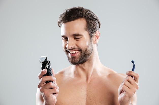 Heureux, jeune homme, choisir, rasoir
