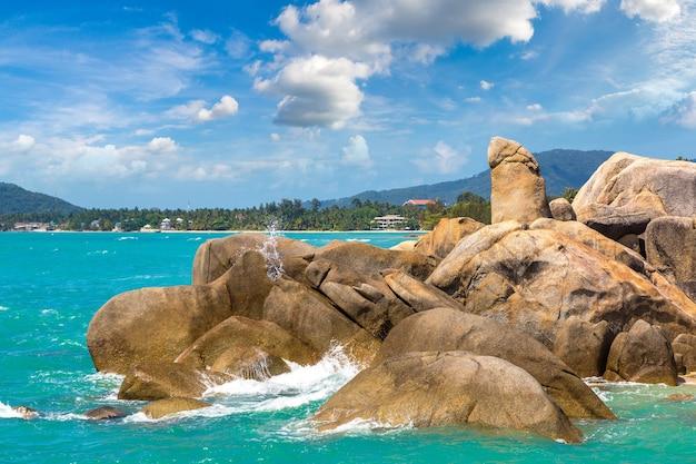 Hin ta hin ya grandfather rock sur l'île de koh samui en thaïlande