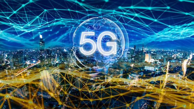 Hologramme numérique réseau 5g et internet des objets sur la ville
