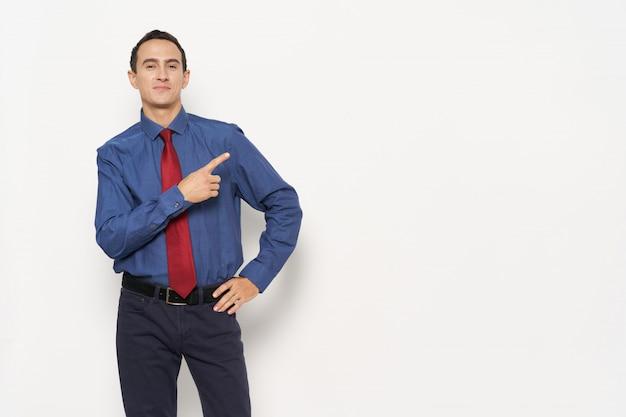 Homme d'affaires costume émotions