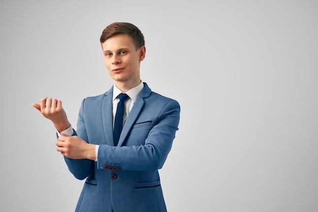 Homme d'affaires en costume manager mode professionnelle confiance en soi