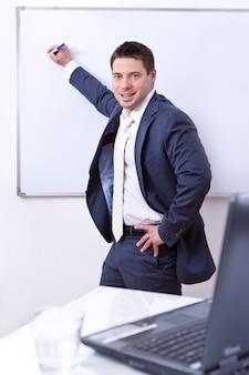 Homme affaires, écriture, bord