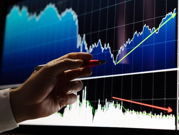 Homme affaires, faire, analyse boursière