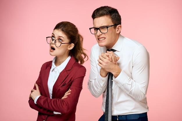 Homme affaires, et, femme affaires, à, lunettes