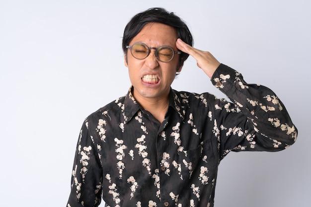 Homme d'affaires japonais sur blanc