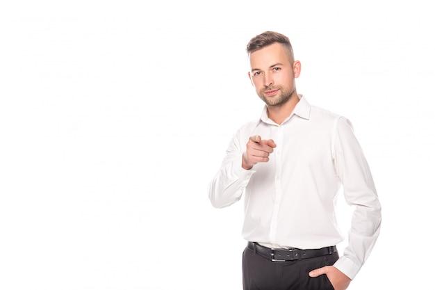 Homme affaires, main, poche, pointage, doigt, appareil photo, isolé, blanc