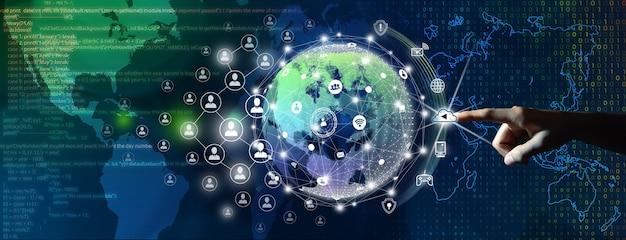 Homme d'affaires menant la connexion mondiale avec les personnes connectées