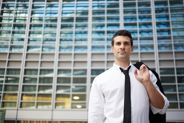 Homme d'affaires en milieu urbain