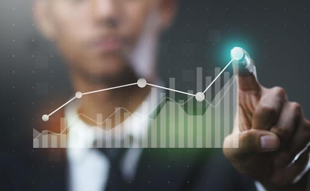 Homme affaires, projection, croissant, statistique, financier