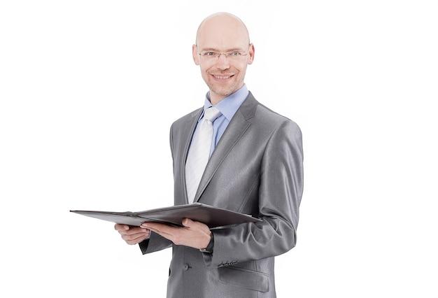 Homme d'affaires souriant avec un dossier d'entreprise .isolated on white.close-up