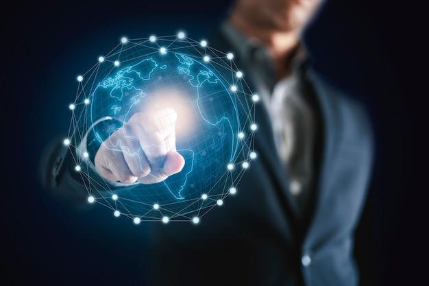 Homme d'affaires et technologie de réseau