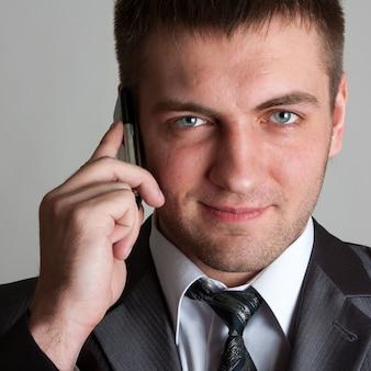 Homme affaires, à, téléphone