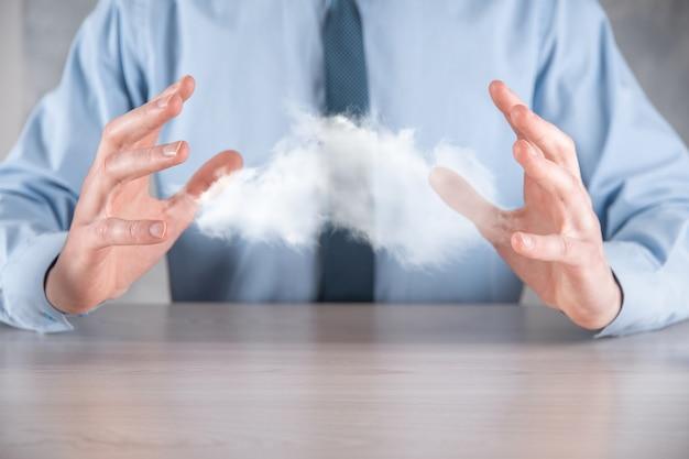 Homme affaires, tenue, cloud., nuage, informatique, concept, gros plan, de, jeune homme affaires, à, nuage, sur, sien, main., concept, de, service cloud.