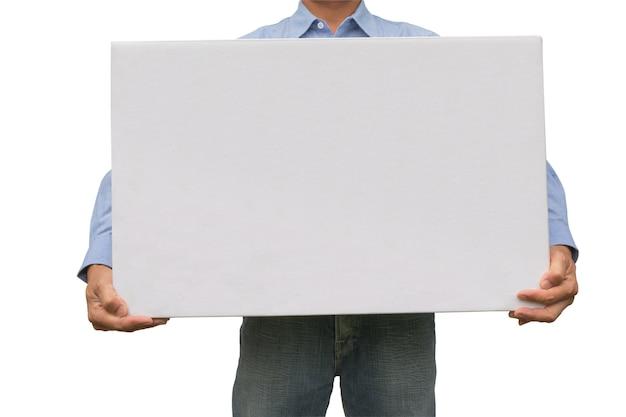 Homme d'affaires transportant une boîte blanche isolée sur fond blanc