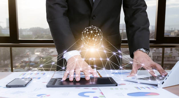 Homme affaires, travailler bureau, à, technologie