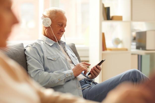 Homme aîné, utilisation, appareil