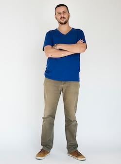 Homme, bras croisés, occasionnel, portrait studio