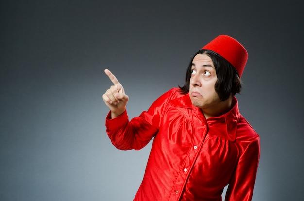 Homme, chapeau rouge, fez