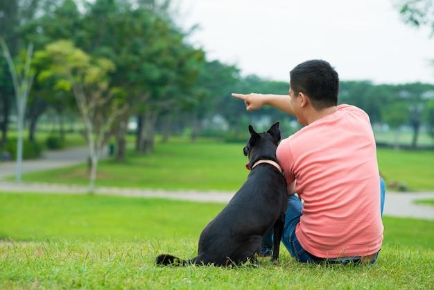 Homme et chien