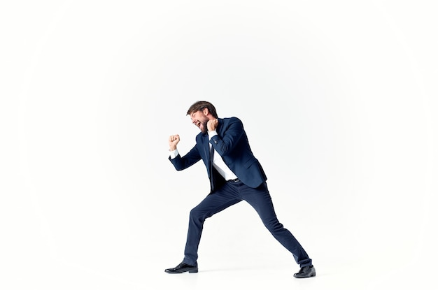 L'homme dans une carrière professionnelle de gestionnaire de costume