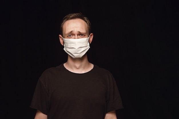 Homme, dans, masque protecteur