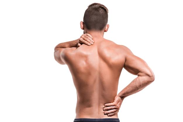 Homme avec douleur à l'épaule contre white