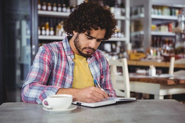Homme, écriture, journal