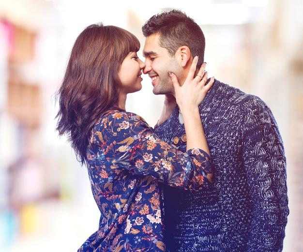 L'homme et la femme baiser a