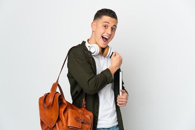 Homme jeune étudiant caucasien isolé