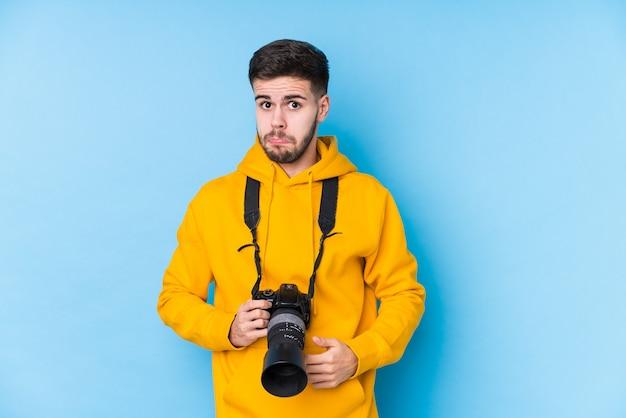 Homme jeune photographe caucasien