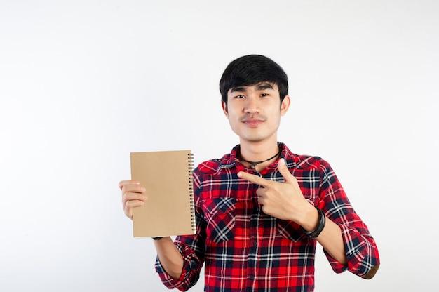 L'homme et les livres aiment lire des images pour votre entreprise