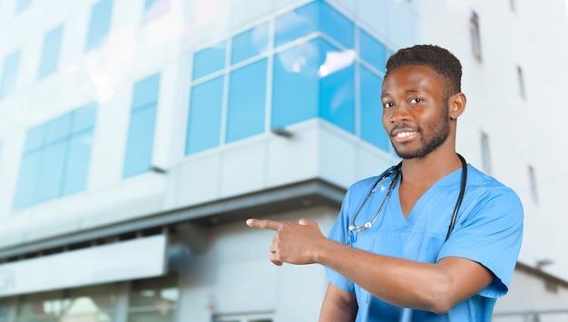 Homme médecin afro-américain.