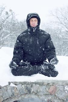 L'homme médite