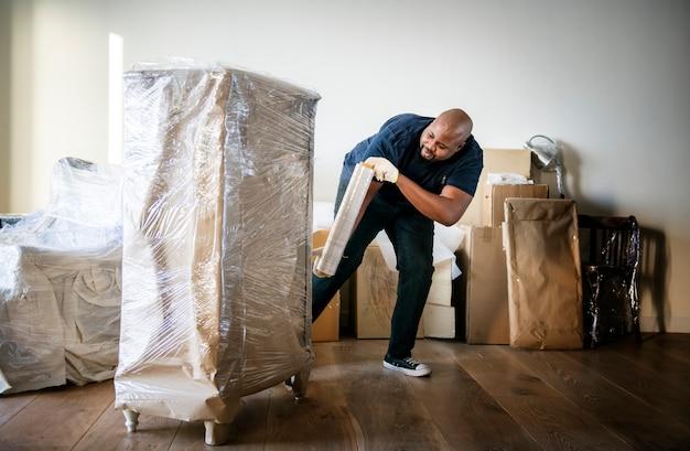 Homme noir en mouvement