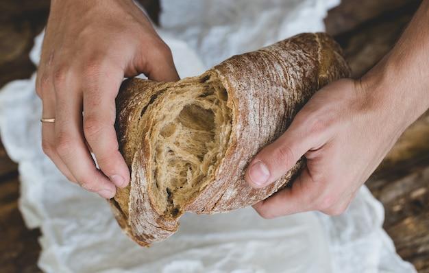 Homme, à, pain