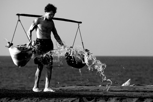 Homme photo en noir et blanc