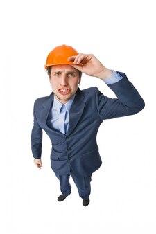 Homme portant un casque