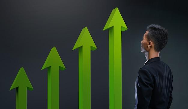 Homme souriant, voyant un résultat croissant. flèche verte 3d vers le haut