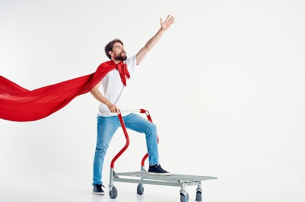 Homme super-héros expédition fond isolé