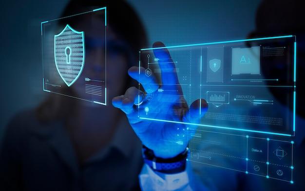 Homme touchant un écran générant des données