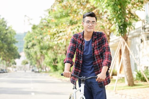 Homme de vélo
