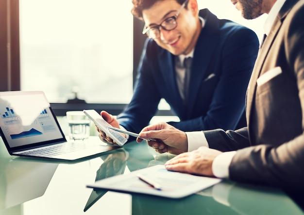 Hommes d'affaires carrière professionnel concept professionnel