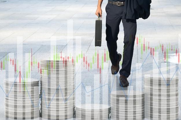Hommes d'affaires marchant au travail. fond graphique