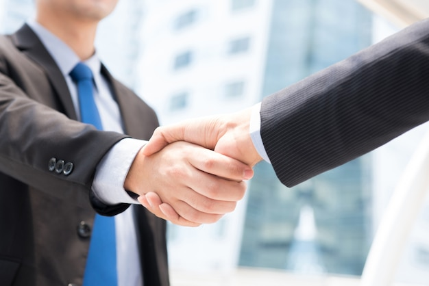 Hommes d'affaires, poignée de main