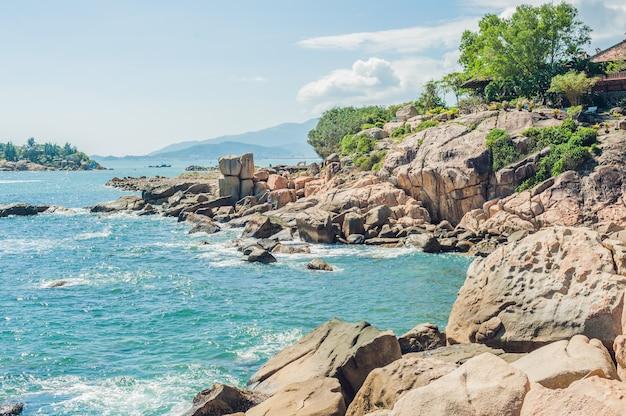 Hon chong cap, garden stone, destinations touristiques populaires à nha trang. vietnam